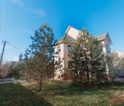 Дом с ремонтом в Подгородном