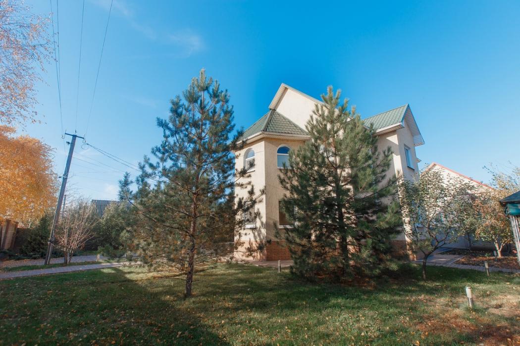 Дом с ремонтом в Подгородном - Фото 1