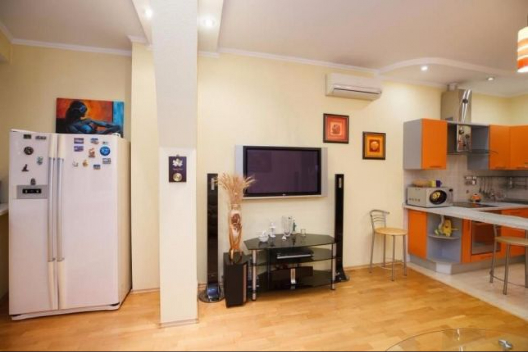 Продается 3 комнатная квартира по улице Баумана, 10 - Фото 4