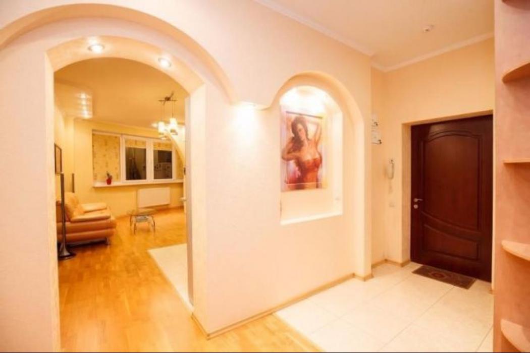 Продается 3 комнатная квартира по улице Баумана, 10 - Фото 2