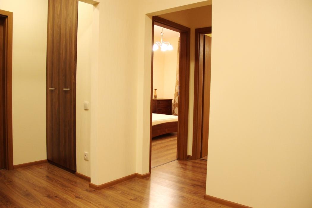Аренда, 3х. комнатная квартира, пр. Карла Маркса, 83 (ул. Серова) - Фото 2