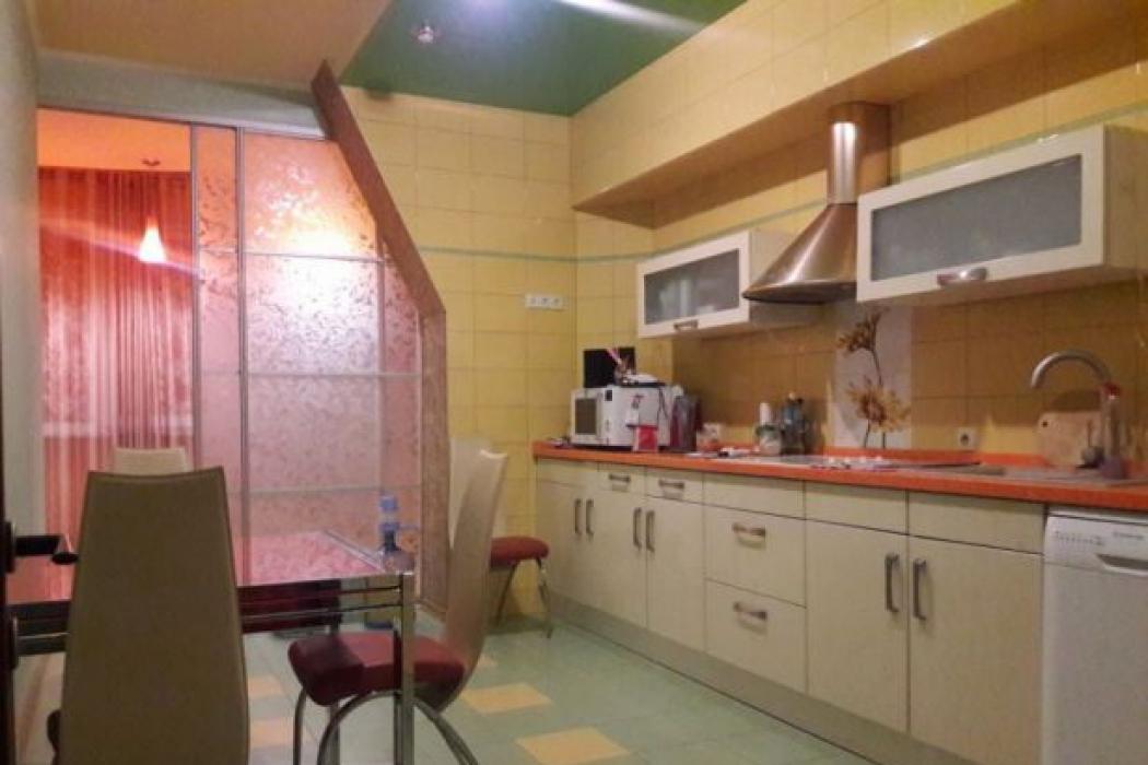 Продается 3 комнатная квартира по улице Ниринберга Павла (Баумана), 10 - Фото 3