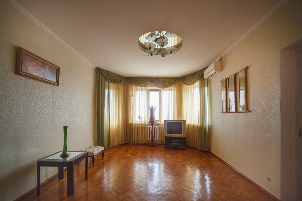 Продается 3-комн. квартира в центре г. Днепр по адресу ул. Писаржевского 3 - Фото 2
