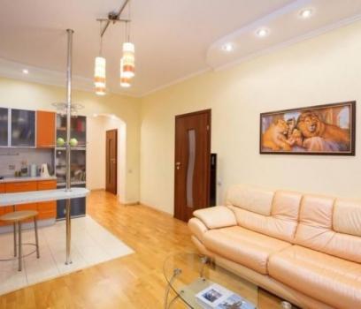 Продается 3 комнатная квартира по улице Баумана, 10