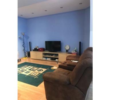 Продается 2 комнатная квартира по улице Ниринберга Павла (Баумана), 10